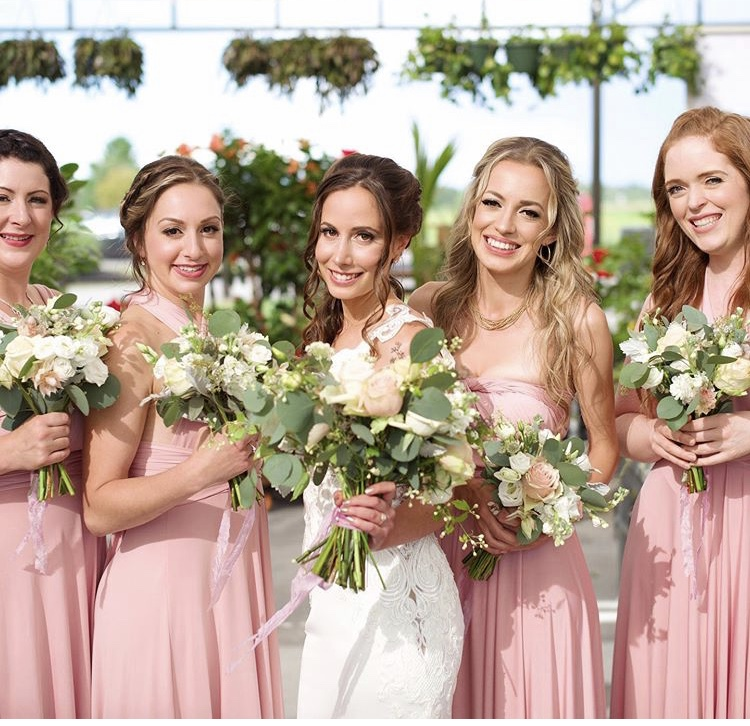 Gorgeous shot stunning bridal party